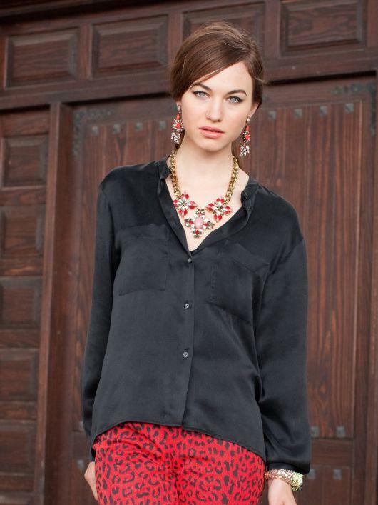 Блуза сорочкового крою з видовженою спинкою