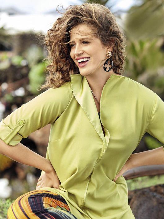 Блузка сорочкового крою А-силуету