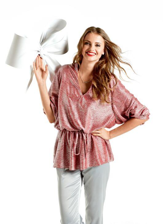 Блуза з V-подібним вирізом
