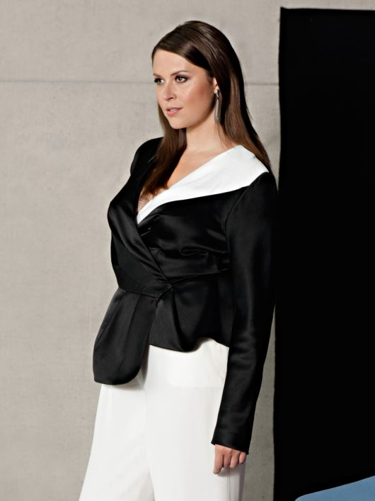 Блуза асиметричного крою з запахом