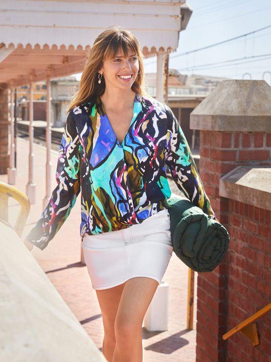 Блуза з ефектом запаху і видовженою спинкою