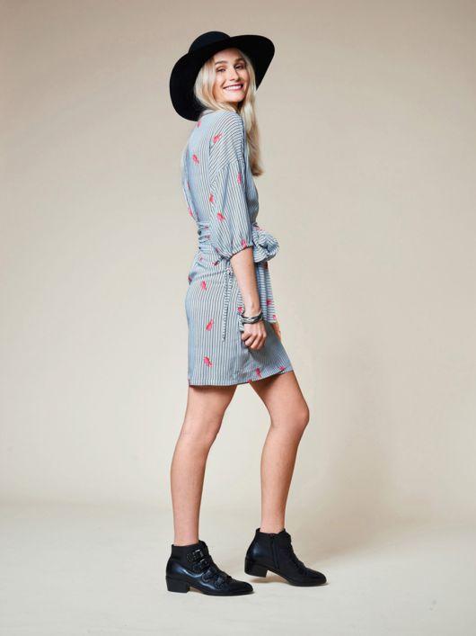 Сукня міні з запахом і пишними рукавами