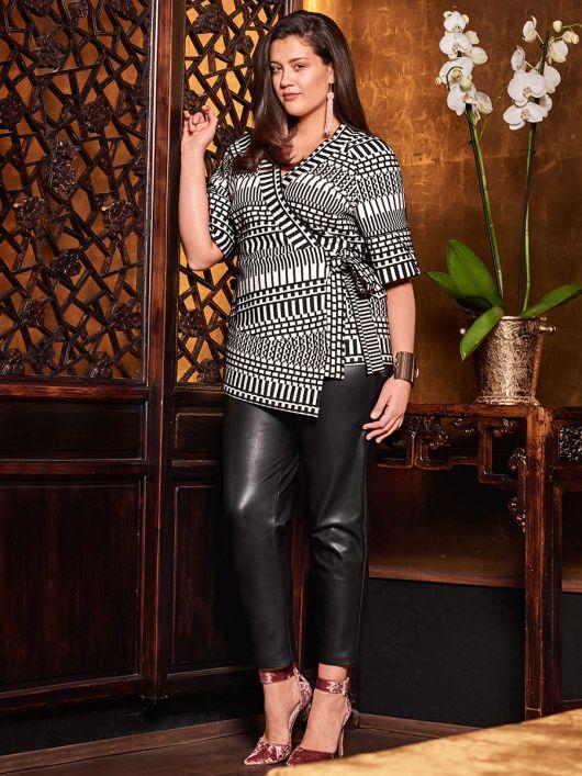 Блуза із запахом в стилі кімоно