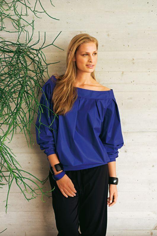 Блуза форми балон із вирізом кармен