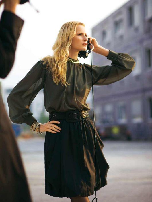 Блуза з боковою застібкою біля горловини