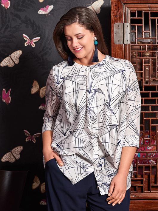 Блуза прямого крою з подвійними деталями