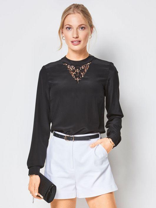 Блузка з мереживною вставкою