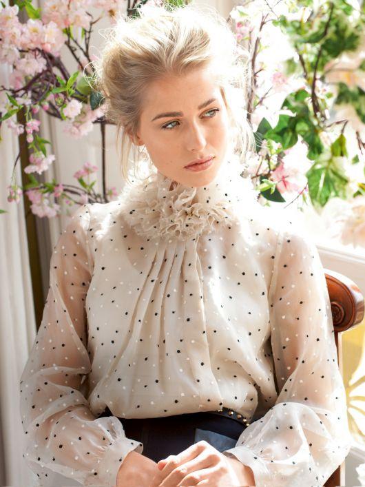 Блуза прямого крою зі складками