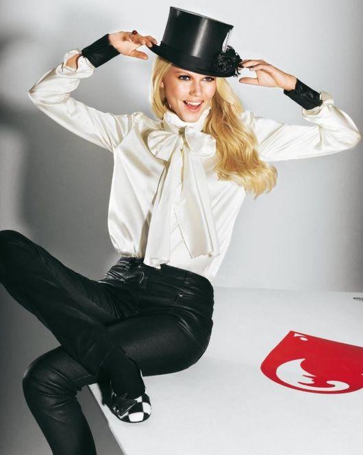 Блуза-сорочка з коміром-бантом