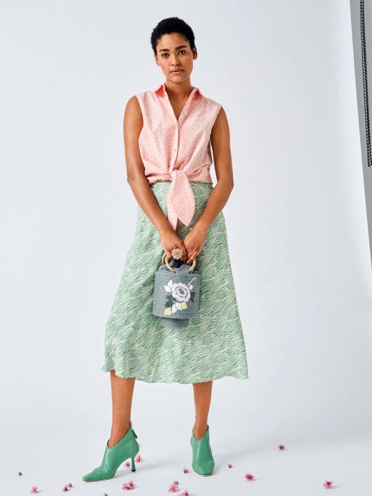 Блузка сорочкового крою із зав'язками