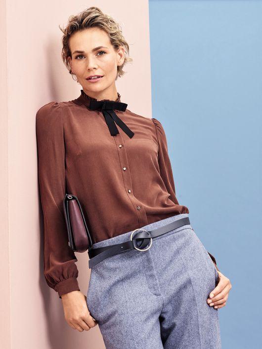 Блузка сорочкового крою з оборками
