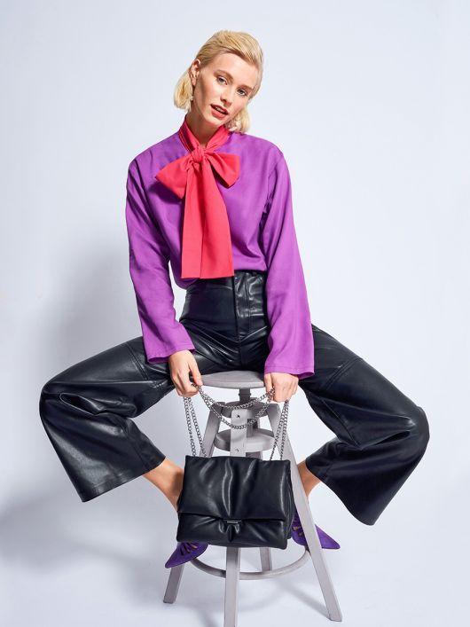 Блузка шовкова з великим коміром-бантом