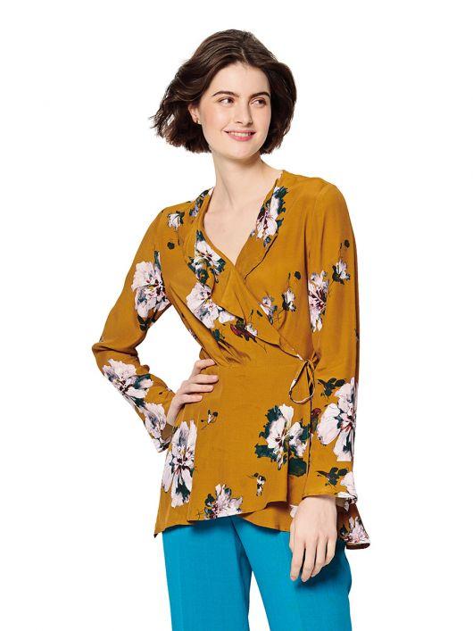 Блузка з запахом і воланами