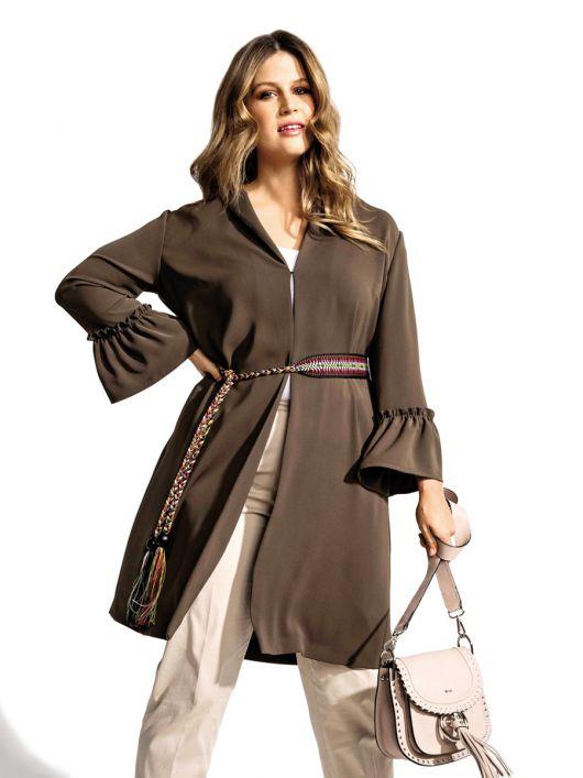 Блуза видовженого силуету з оборками на рукавах