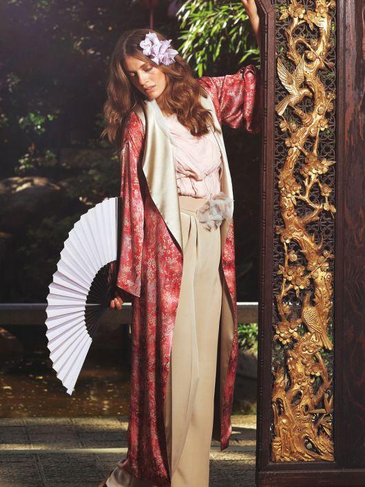 Пальто з шалевим коміром в азійському стилі