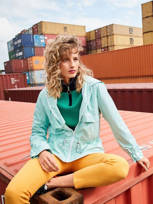 Куртка з капюшоном і рукавами реглан