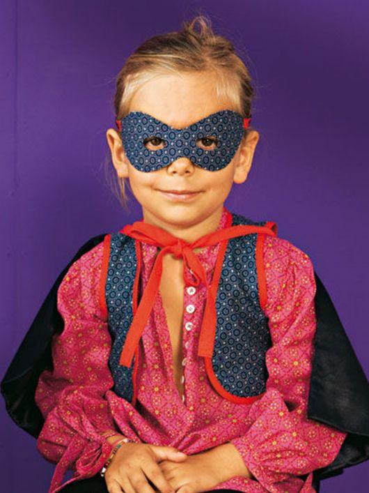 Жилет і маска для карнавального костюма «Зорро»