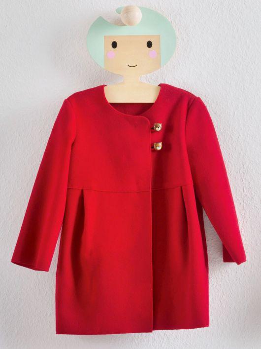 Пальто відрізне з асиметричною застібкою