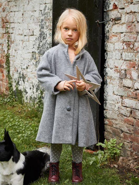 Пальто шерстяне розкльошеного силуету