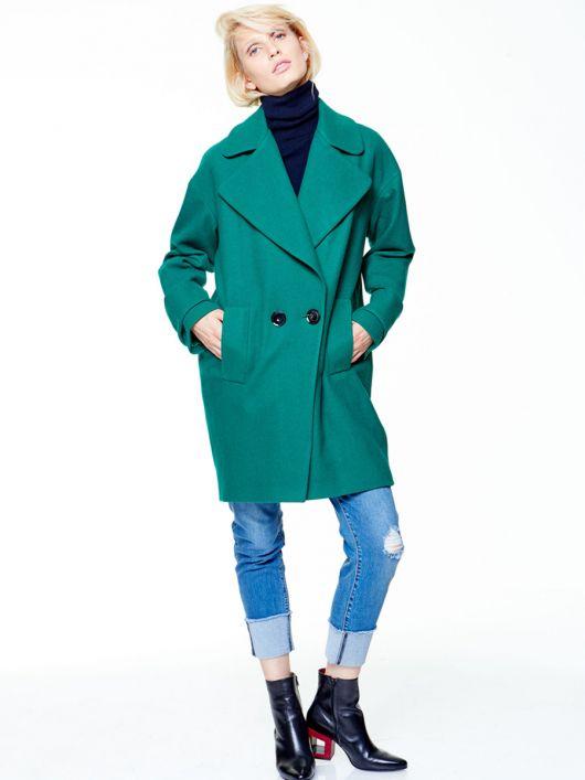 Пальто коротке двобортне О-силуету