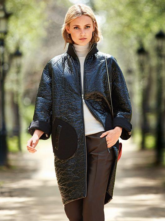 Пальто лакове О-силуету в стилі 60-х