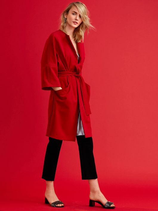 Пальто О-силуету з поясом і без коміра