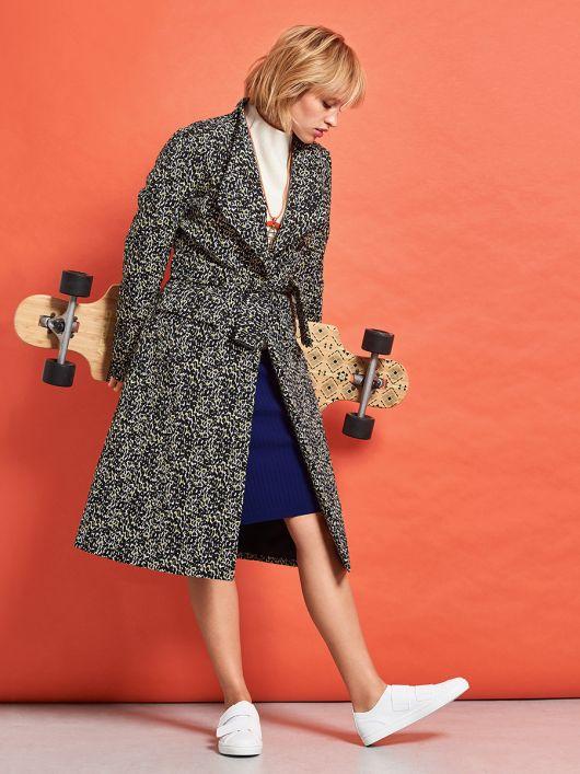 Пальто приталеного силуету зі стоячим коміром