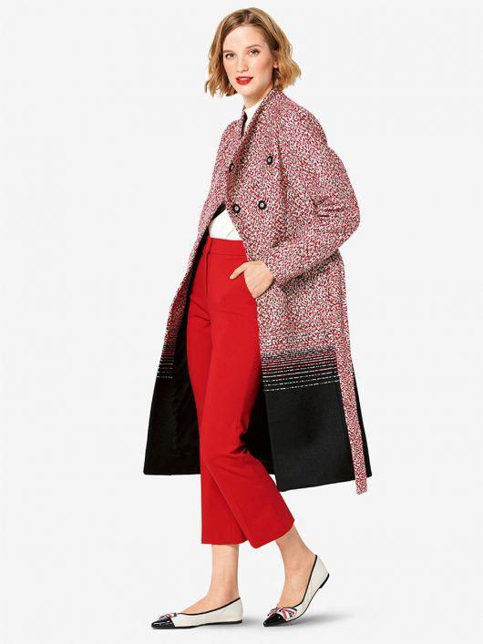 Пальто приталеного крою з коміром-стойкою