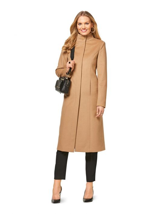 Пальто приталеного силуету з коміром-стойкою