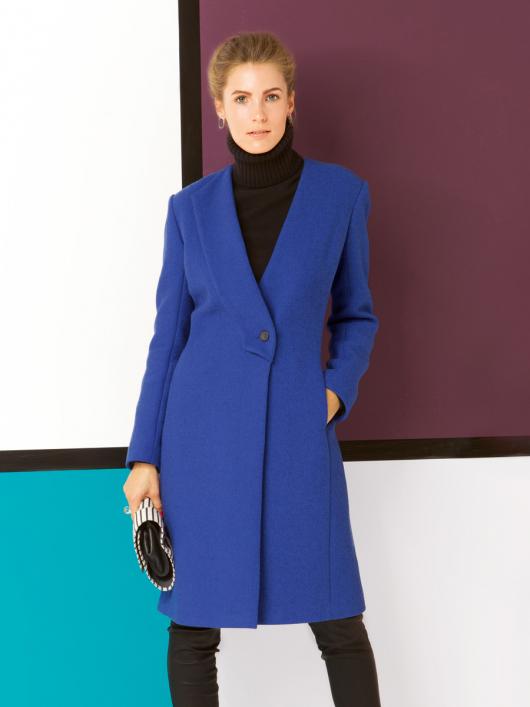 Пальто приталеного силуету з одностороннім лацканом
