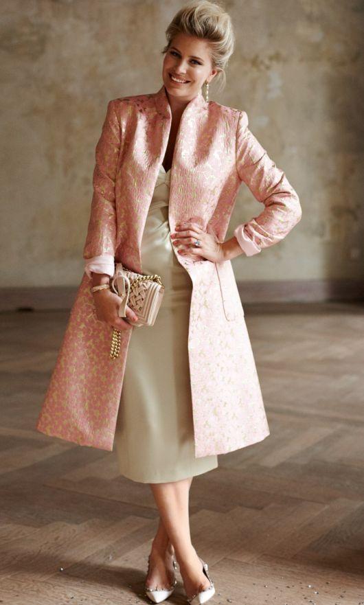 Пальто відрізне по талії