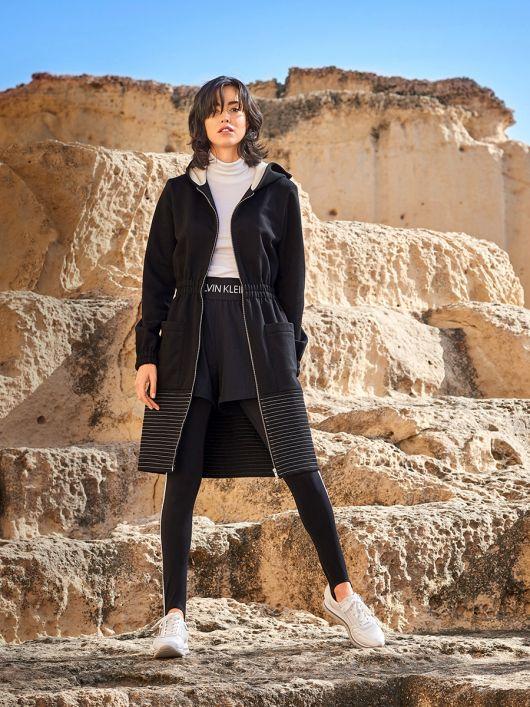 Пальто приталеного силуету з капюшоном