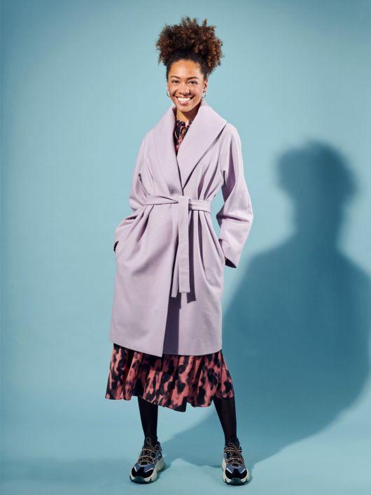 Пальто з широким шалевим коміром