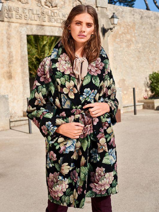 Пальто прямого силуету з шалевим коміром