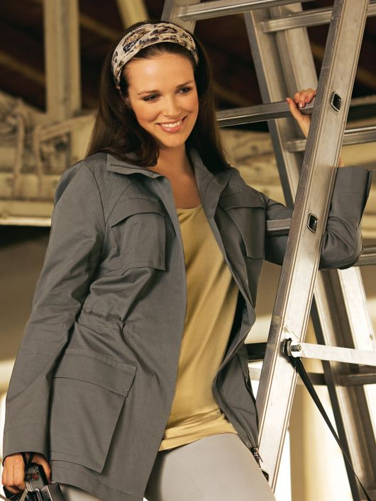 Куртка з габардину з великими кишенями