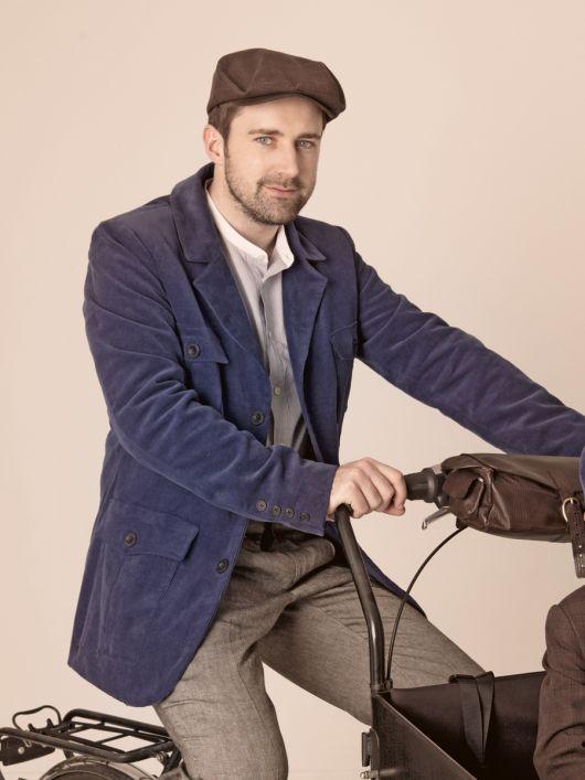 Піджак з накладними кишенями в стилі casual