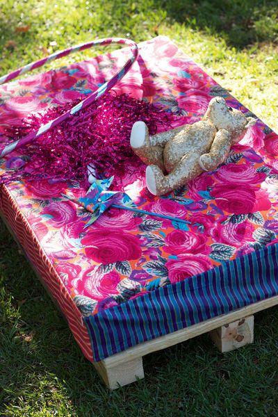 Подушка на підлогу