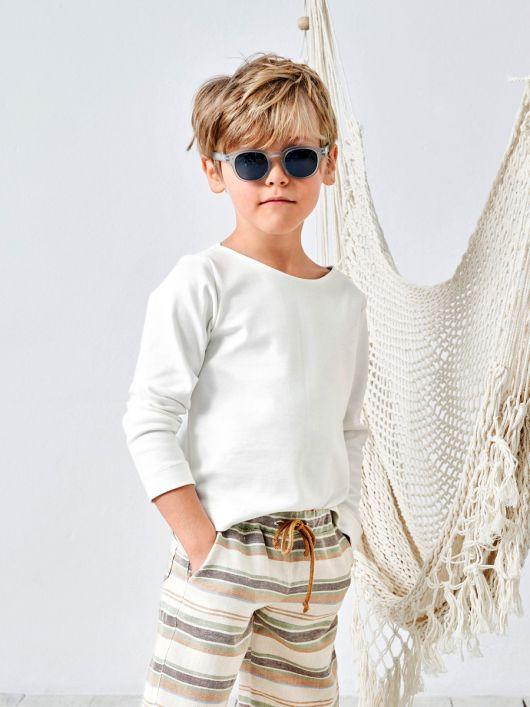 Пуловер простого крою з вирізом-човником