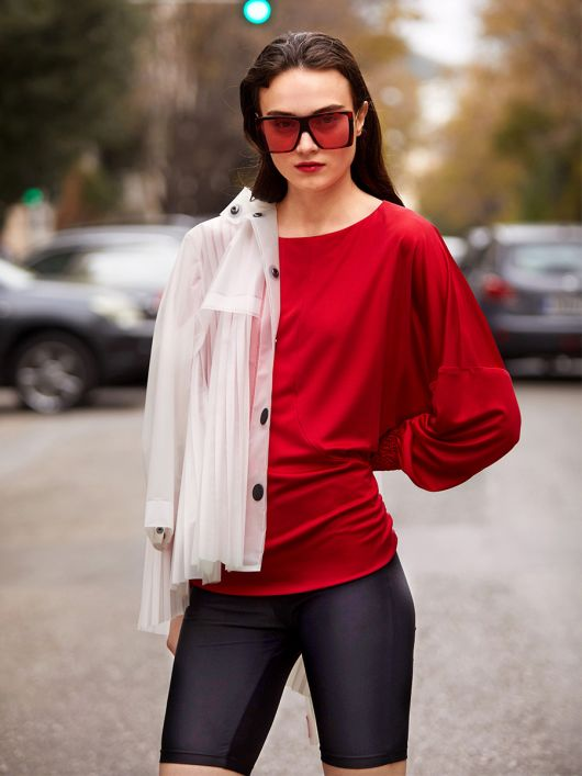 Пуловер з об'ємними рукавами