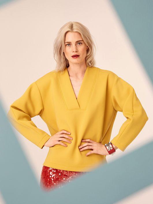 Пуловер с широкими планками горловины