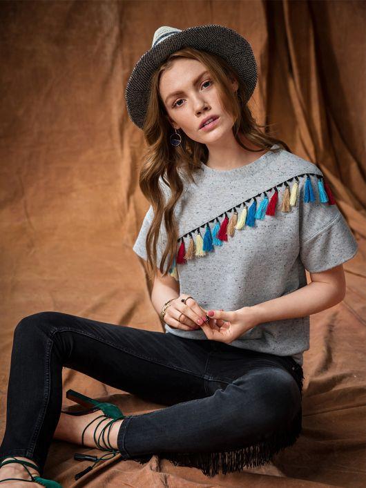 Пуловер з асиметричною кокеткою