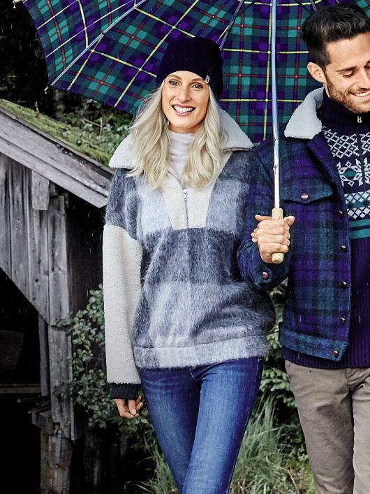 Пуловер просторий з коміром на блискавці