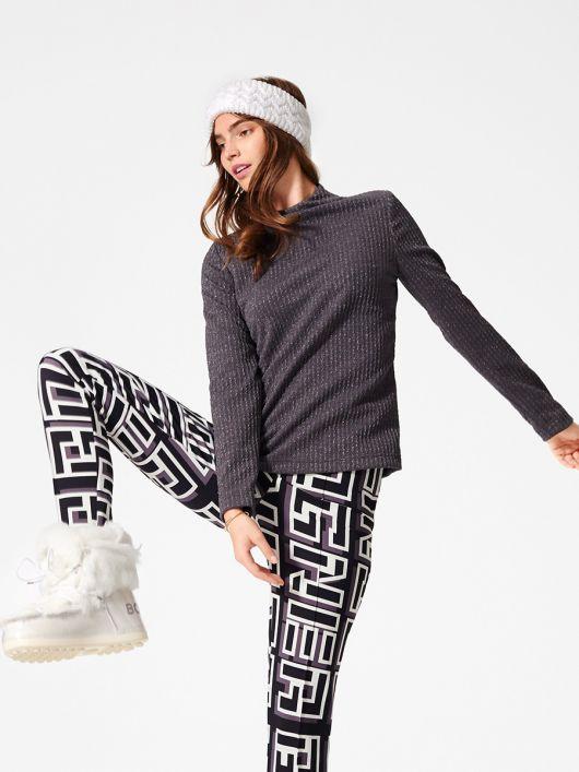 Пуловер свободного кроя с цельнокроеным воротником
