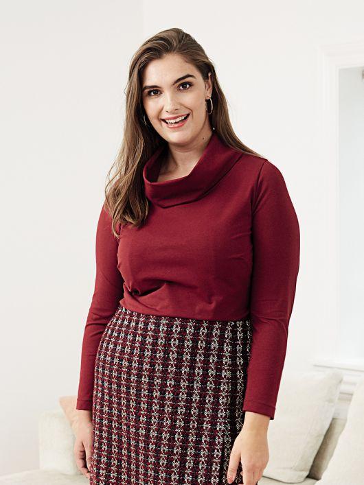 Пуловер прямого крою з широким коміром-хомутом