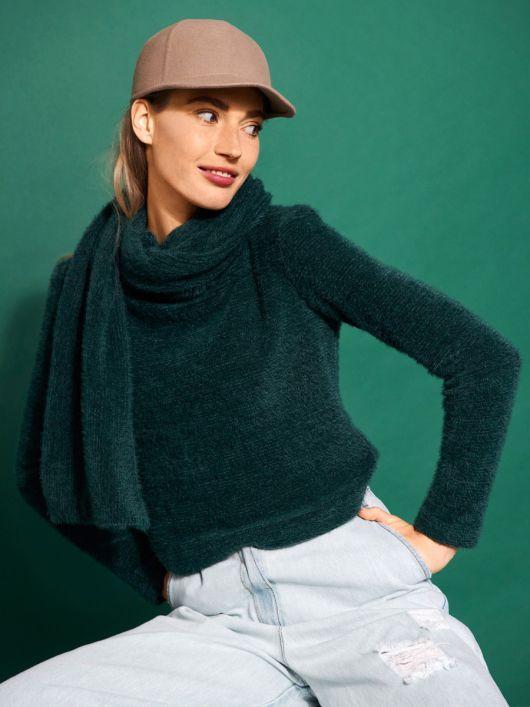 Пуловер із довгим шарфом