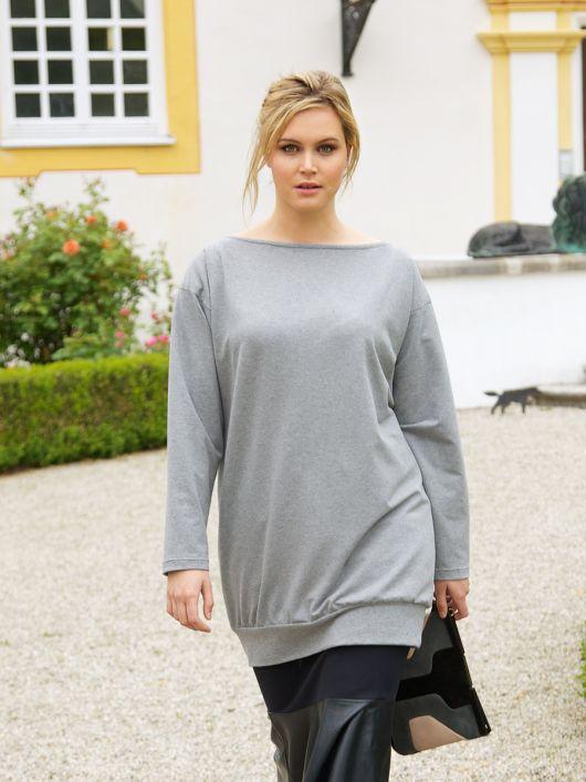 Пуловер простого крою на широкому поясі