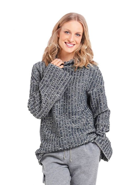 Пуловер просторого крою із в'язаного полотна