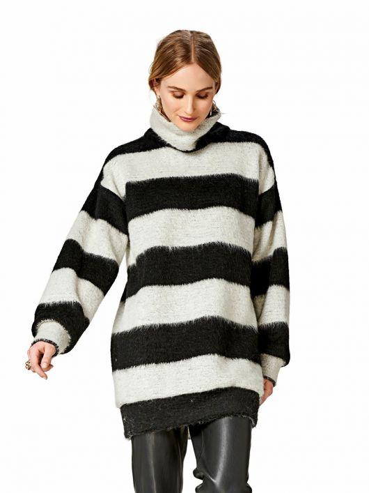 Пуловер довгий з високим коміром-стойкою