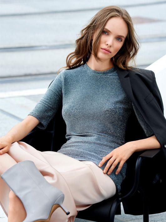 Пуловер з короткими рукавами і коміром-стойкою