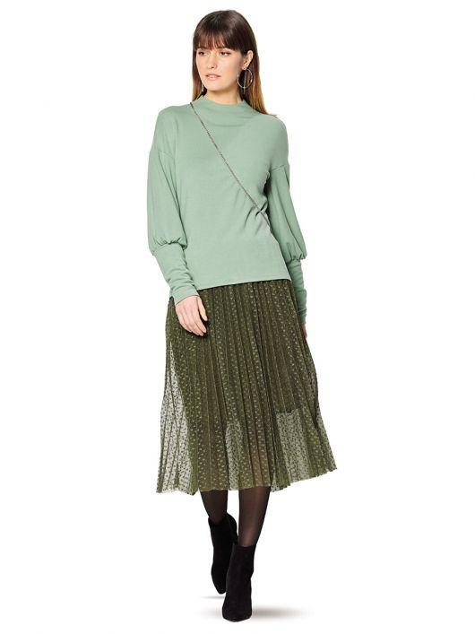 Пуловер з високими манжетами